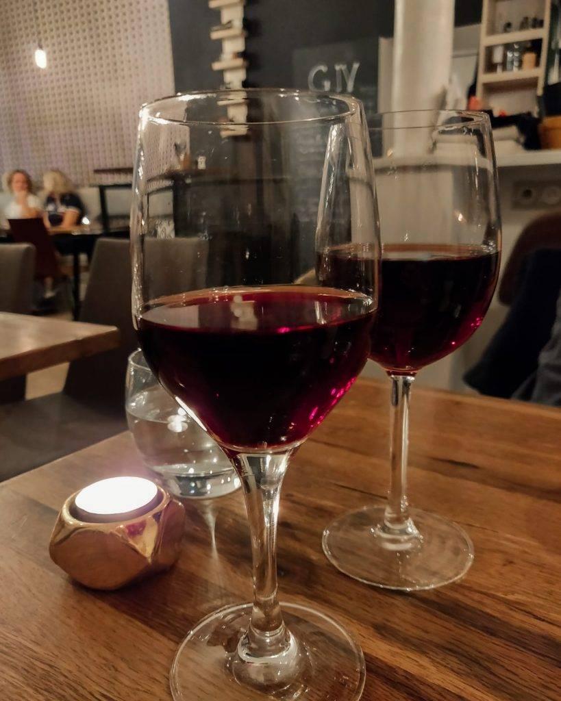 g iv - bar à vin rue poissonnière à Paris